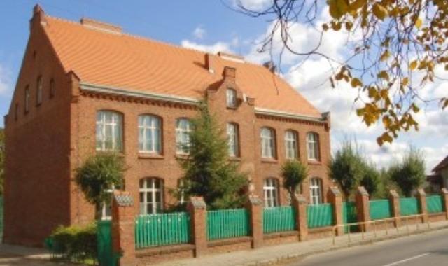 Gimnazjum nr 1 w Rogoźnie (fot. www.rogozno.pl)