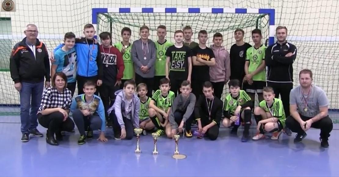 ks futsal sparta oborniki najlepszy w Mikolajkowym Turnieju Futsalowym