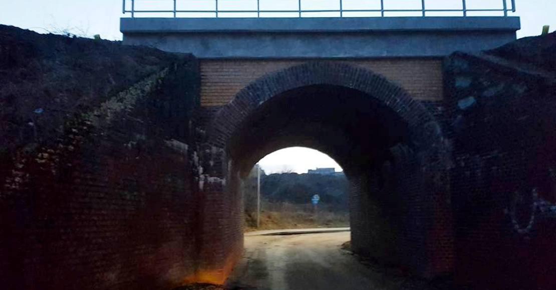 oborniki ul. komunalna zamkniety przejazd pod wiaduktem kolejowym