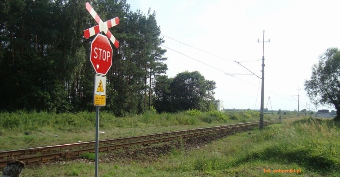 Utrudnienia na kolejnych przejazdach kolejowych