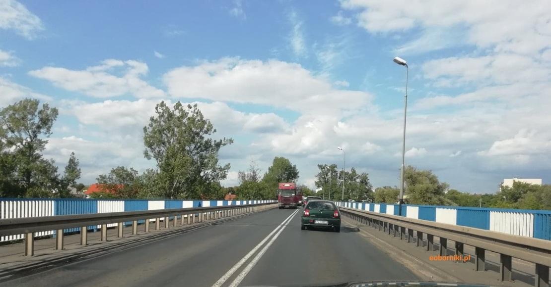 Awaria samochodu na dużym moście w Obornikach