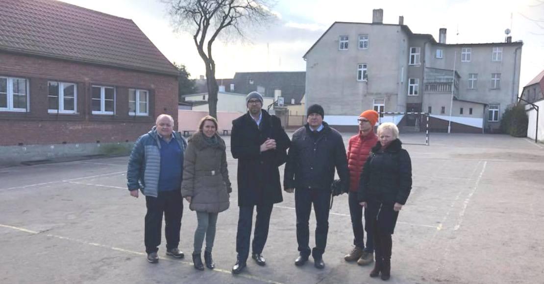 Będą modernizować boisko w SP2 w Rogoźnie