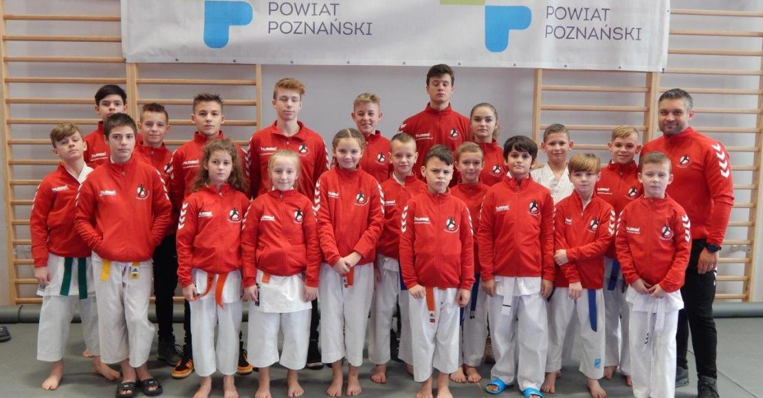 37 medali dla Karate Team Oborniki (foto)
