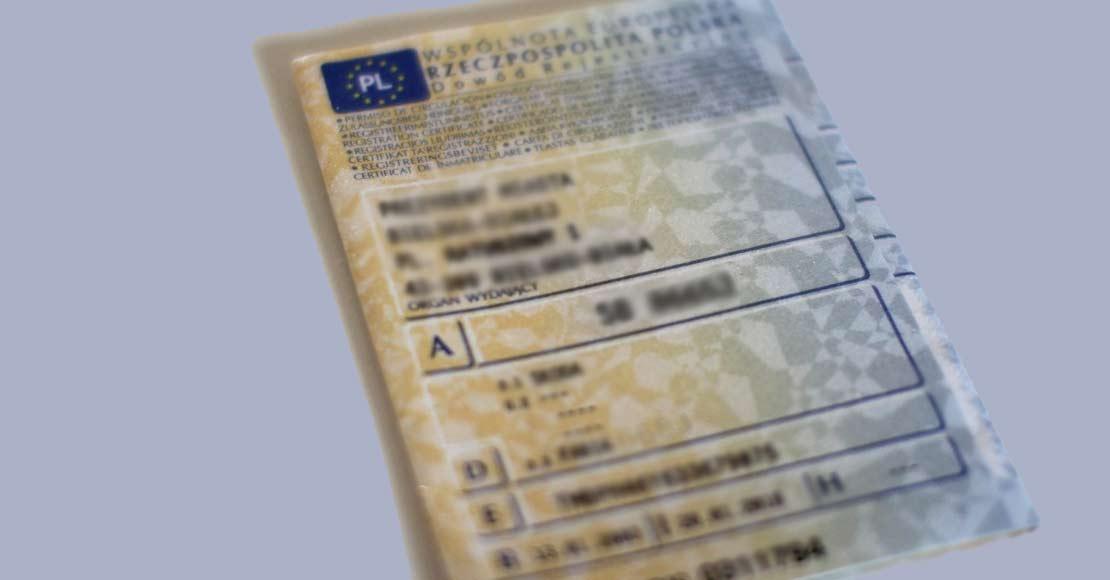 Kiedy zostawimy dowody rejestracyjne w domu?