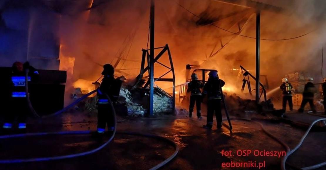Trwają prace rozbiórkowe po pożarze (foto)