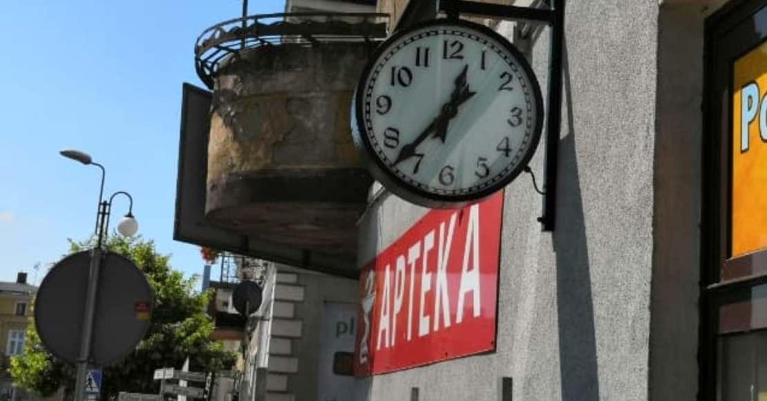Wrócił zegar na kamienicę przy ul. Marszałka Józefa Piłsudskiego