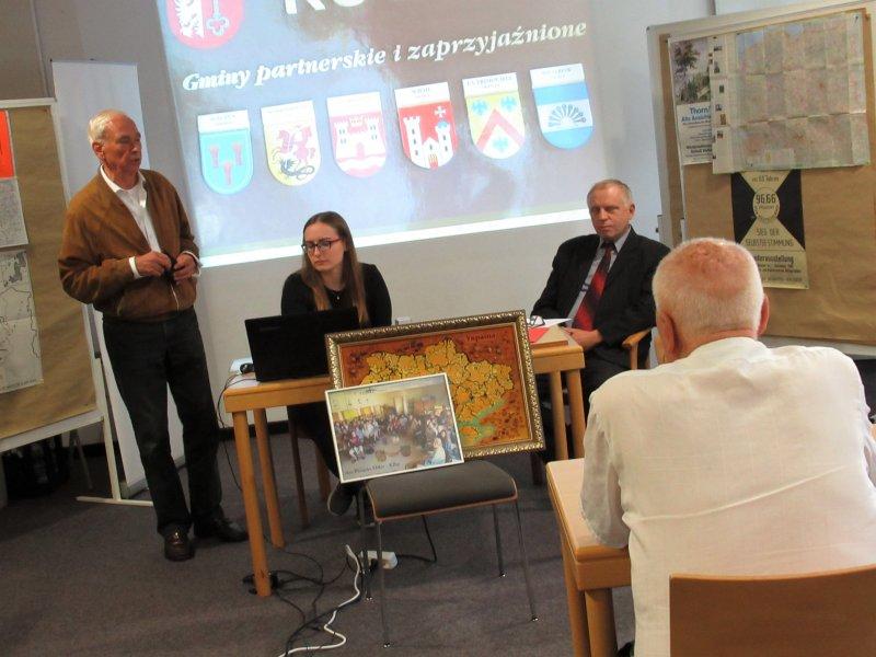 Vortrag von Bernd Bruno Meyer li. und Adam Malinski re. und Technik Magdalena Olejniczak