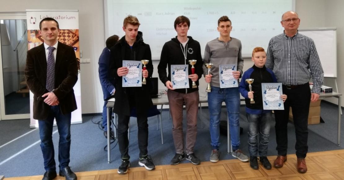 Mateusz Małaczek zwyciężył w Zimowym Turnieju Szachowym