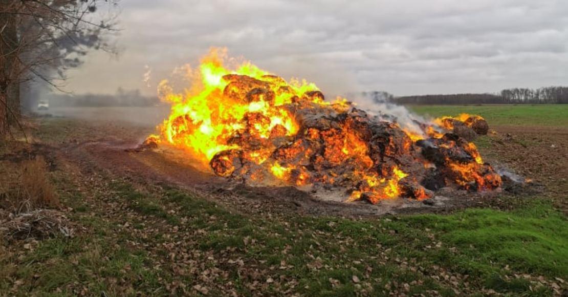 Pożar stogu w Popowie (foto)