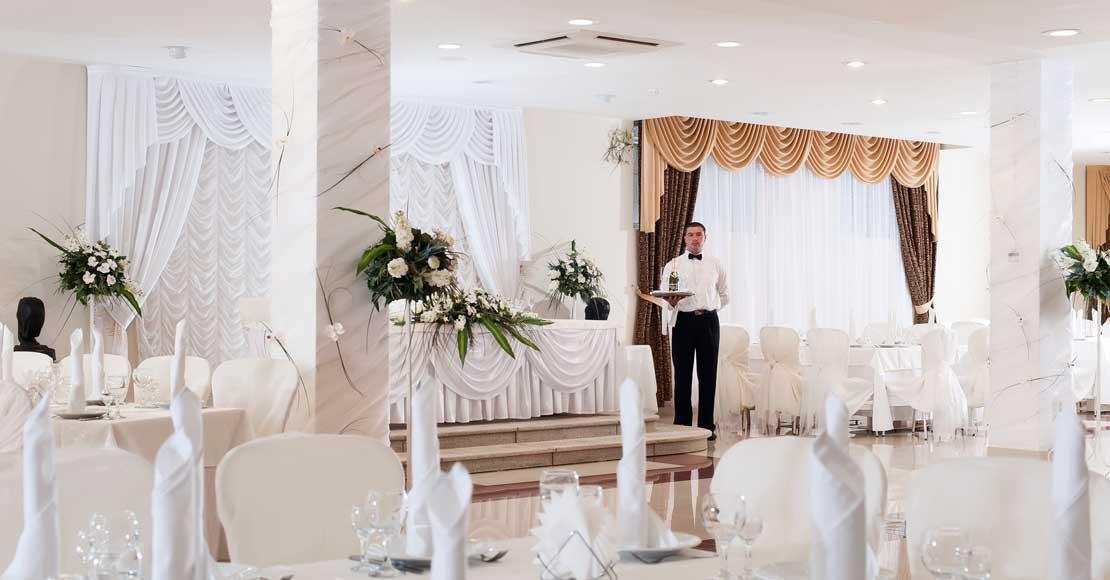 Umowa z domem weselnym – na jakie jej aspekty zwrócić szczególną uwagę?