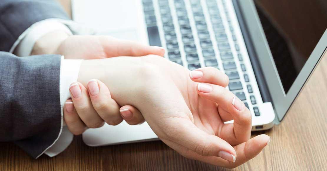 Myszka pionowa (wertykalna) – pozbądź się bólu nadgarstka