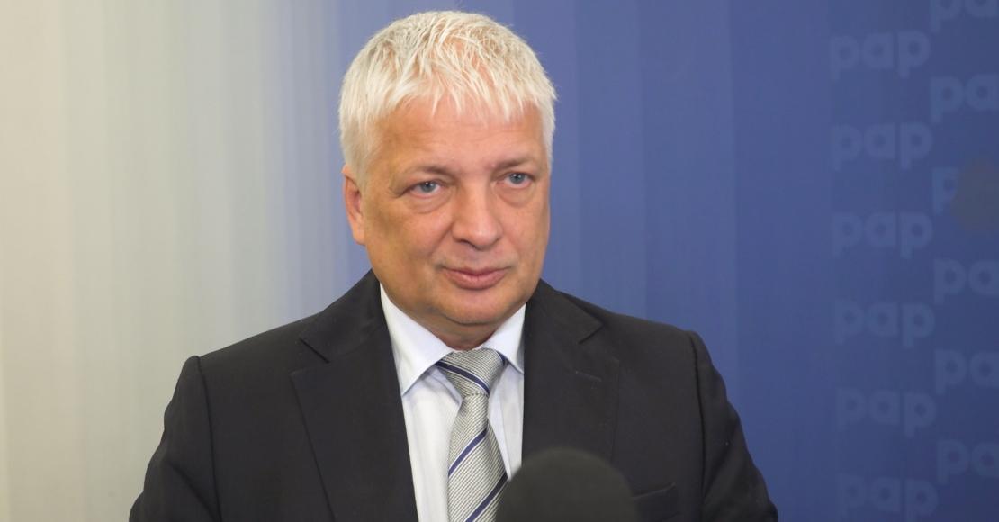 W Polsce będą rosły opłaty i podatki. Przyczyną jest zadłużanie państwa (film)