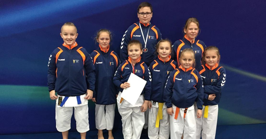 4 medale Obornickiego Klubu Karate (foto)