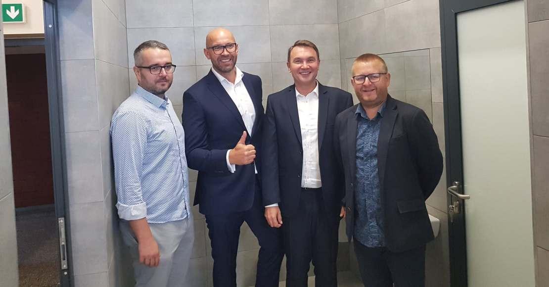 Firma z Podanina zmodernizuje kolejne szatnie przy Obrzyckiej 88