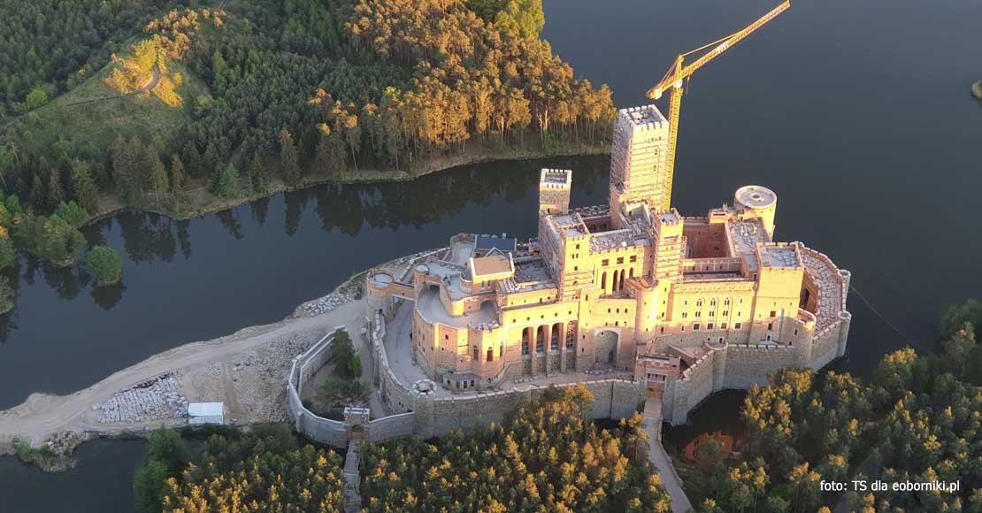Minister Woś komentuje sprawę zamku w Stobnicy