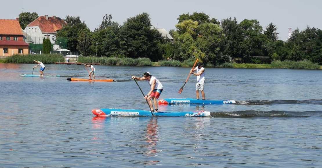 W Rogoźnie trwają Mistrzostwa Polski Stand Up Paddle (foto)