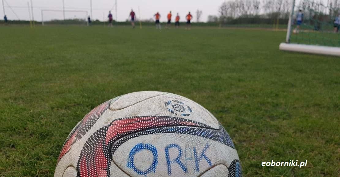 Piłkarze Orkanu trenują indywidualnie