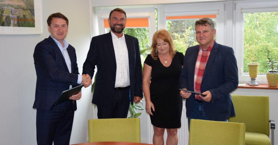 """Projekt: """"Budowa kanalizacji sanitarnej w miejscowości Popówko z rurociągiem tłocznym do miejscowości Urbanie"""""""