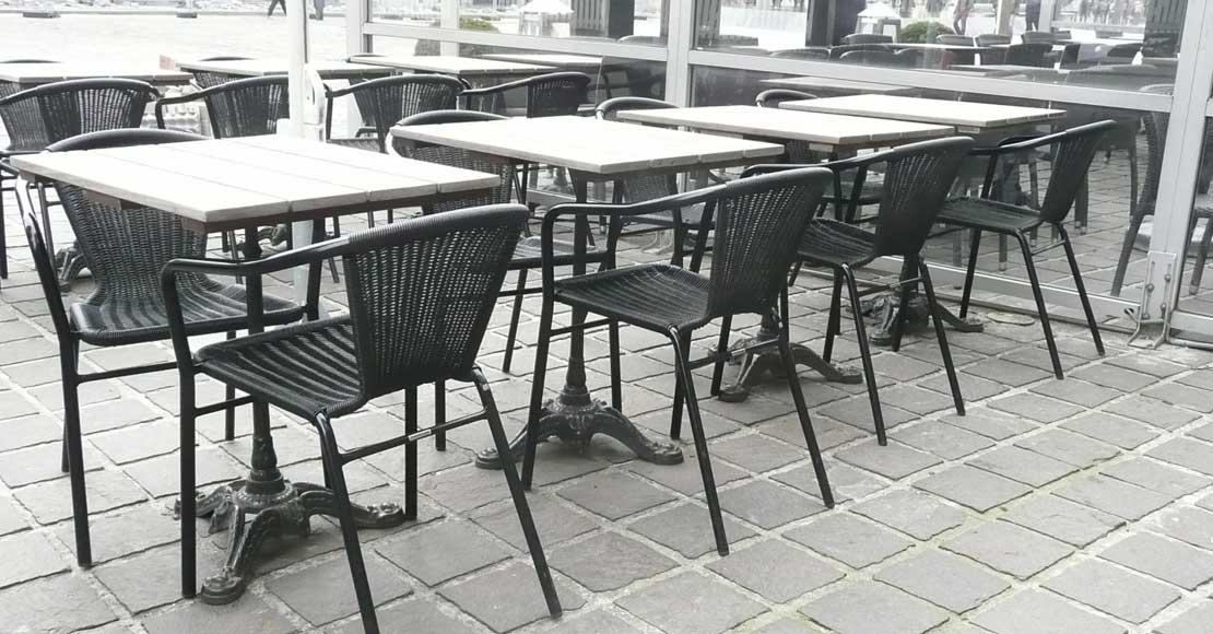 Jak zaaranżować ogródek restauracji?