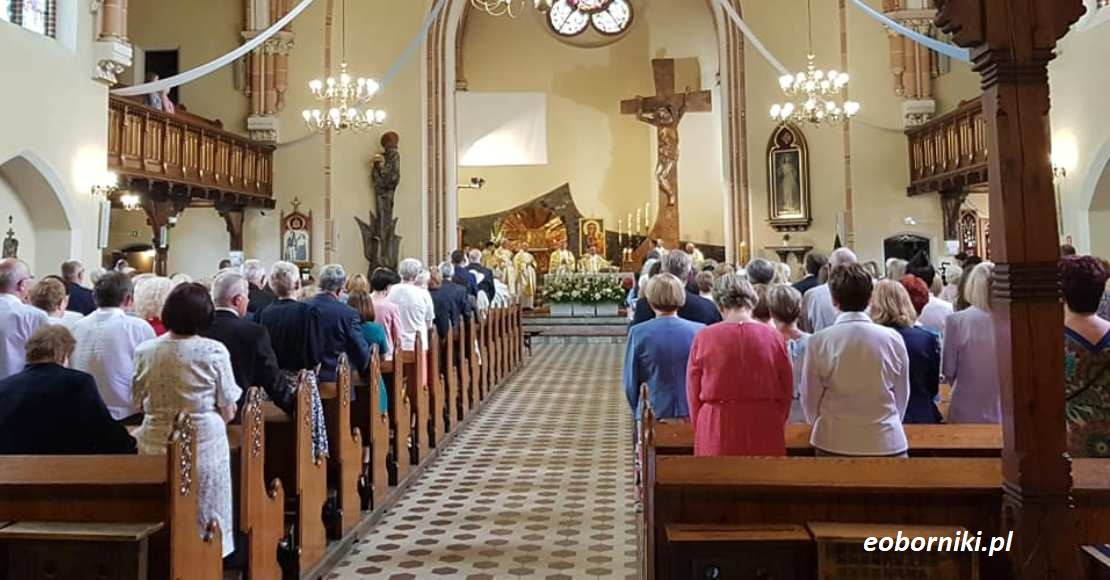 We mszy św. może uczestniczyć maksymalnie 5 osób