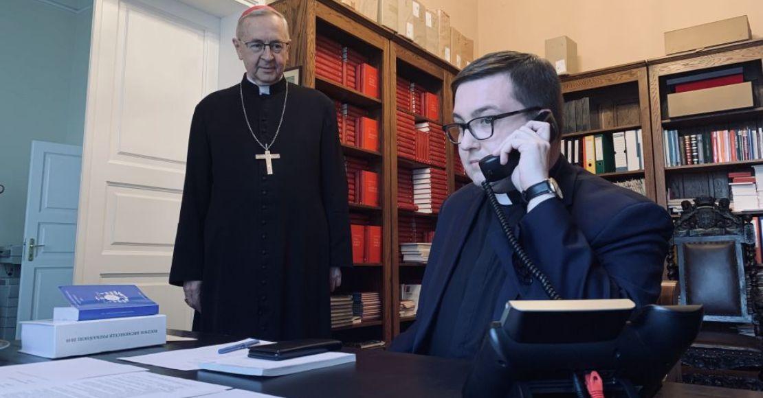 """Ruszyła infolinia """"Ksiądz na sygnale"""""""