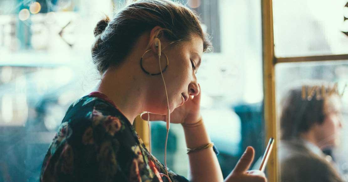 Kiedy warto skorzystać z podsłuchu telefonu?