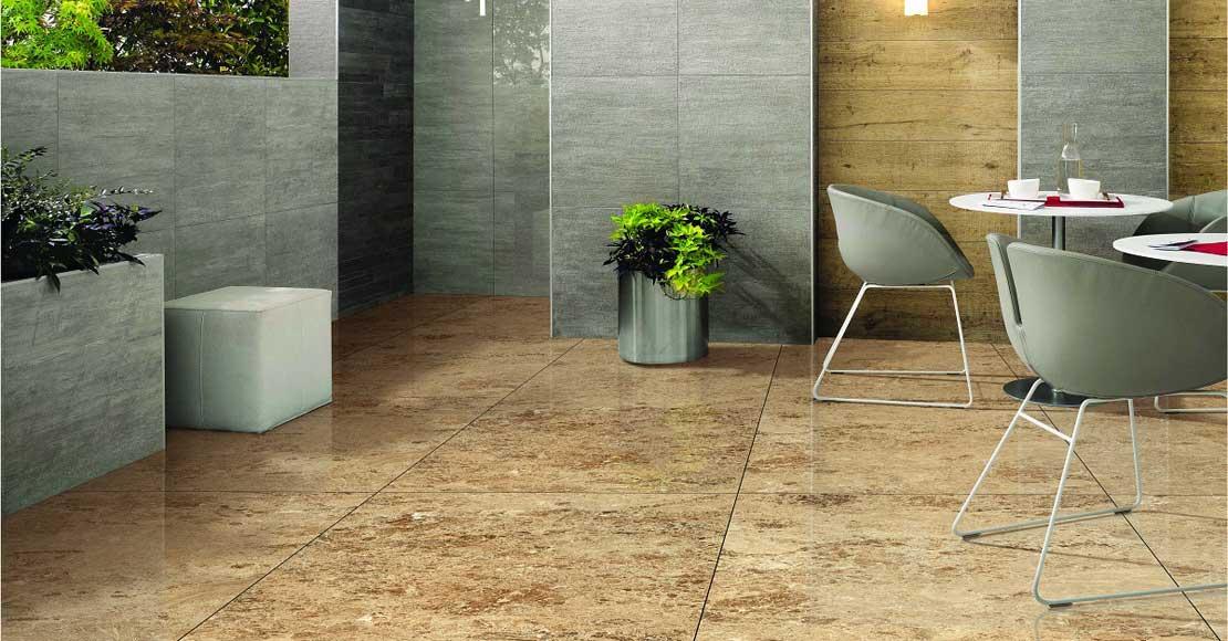 Płytki kamienne czy gres – wybieramy materiał na podłogę w salonie