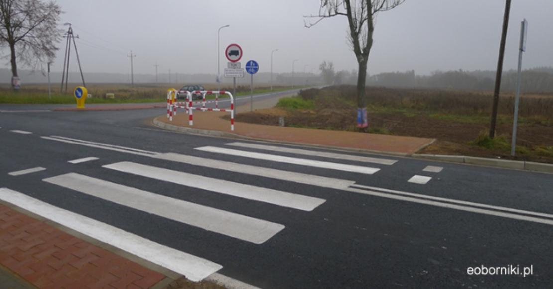 Ministerstwo Infrastruktury będzie edukować Polaków o nowych przepisach ruchu drogowego. Zmiany wchodzące w życie od czerwca mają m.in. zwiększyć bezpieczeństwo pieszych