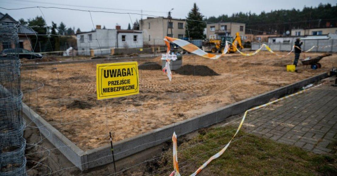 Trwa modernizacja boiska w Kowanówku (foto)