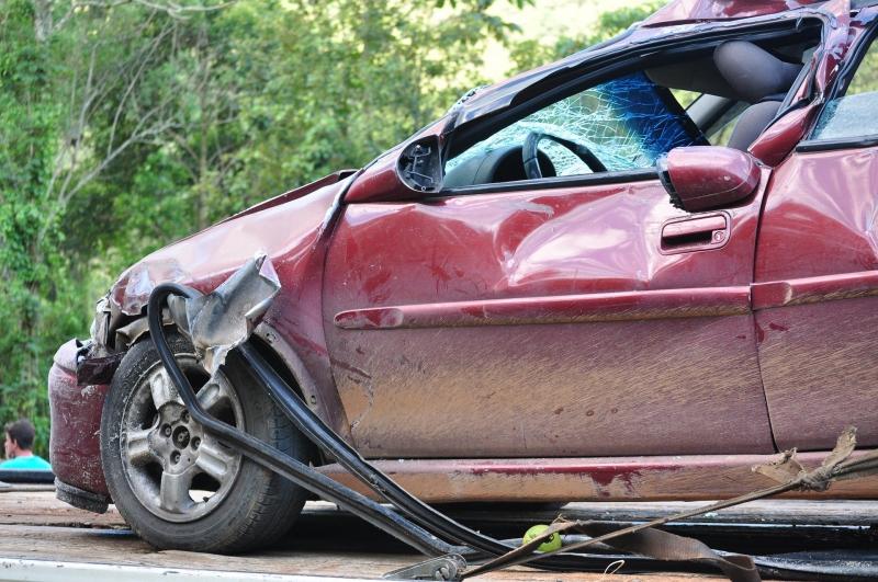 Bezpieczeństwo na drogach w Polsce wciąż wymaga poprawy.