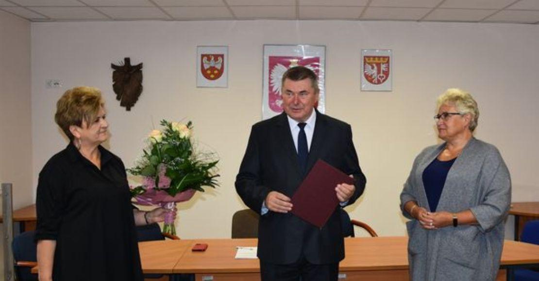Pożegnanie Dyrektora Szkoły Podstawowej nr 3 w Rogoźnie (foto)