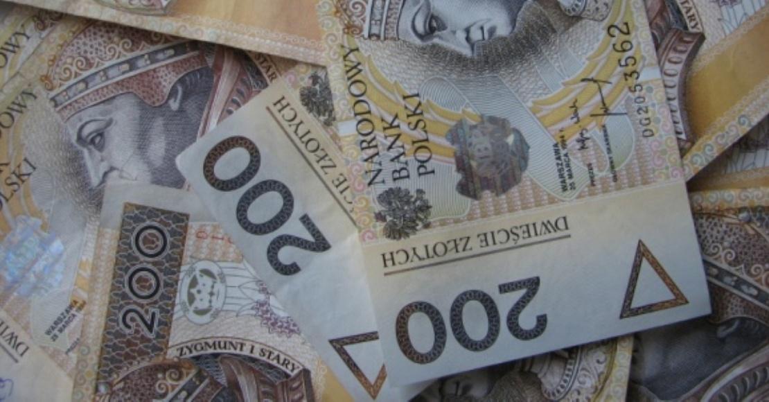 W 2020 roku Polacy zaciągnęli o prawie 1/5 mniej kredytów. Mieszkaniowe i ratalne okazały się odporne na kryzys związany z pandemią