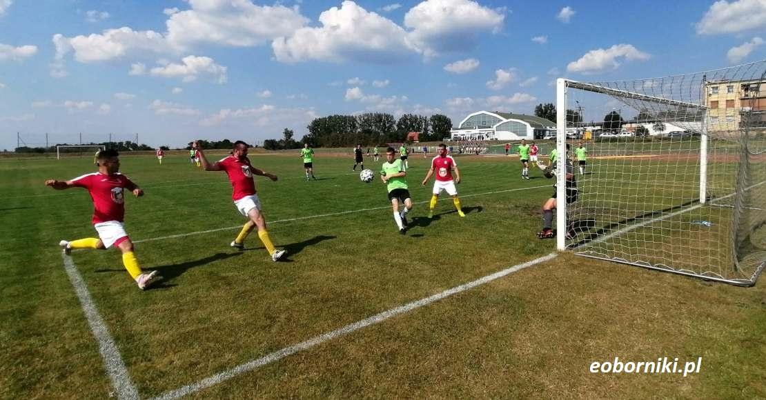 Na boiska ligowe wracają zespoły Sparty Oborniki i Orkanu Objezierze