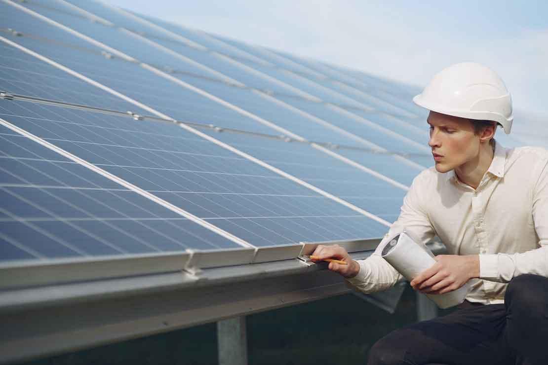 Panele fotowoltaiczne – świetne rozwiązanie dla agroturystyki oraz rolników