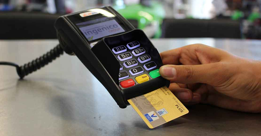 Wygodne płatności bezgotówkowe — czyli jaki terminal płatniczy wybrać?